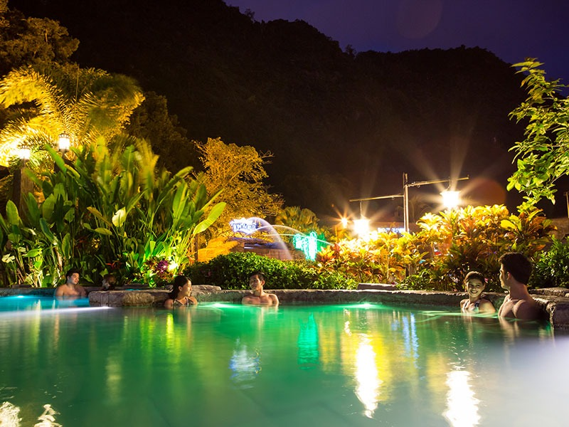 Infinity Pool - Lost World Hot Springs & Spa By Night