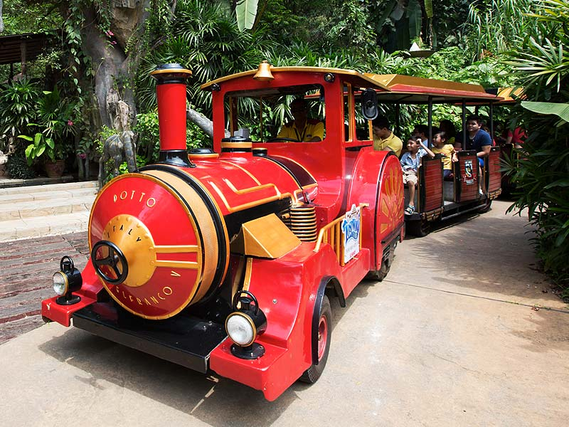 Adventure Express - Lost World Amusement Park